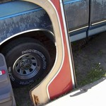 NICE 1973 -1979 FORD PICKUP LEFT FRONT FENDER WITH MOULDINGS