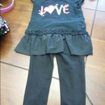 2T girls outfit (Love)