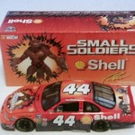 1:24 Scale 1998 Pontiac Grand Prix #44 Shell Small Soldiers