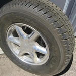2000 CADILLAC  ESCALADE WHEEL & TIRE BRAND NEW  1 ONLY