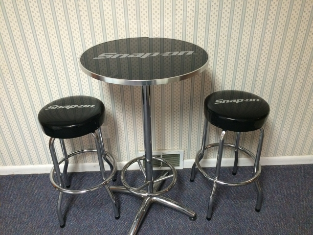 Snap On Bar Height Table and Bar Stools 200 OBO Nex  : listingpic111202914486606251 from www.nextechclassifieds.com size 640 x 480 jpeg 268kB