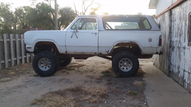 1974 Dodge Ramcharger 440ci 4x4 Beast