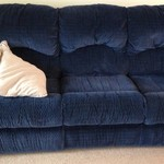 COUCH DUAL RECLINING NAVY BLUE EXCELLENT CONDITION MUST SELL