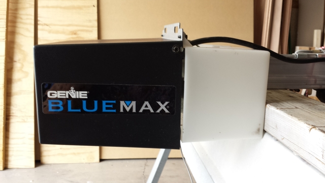 Genie blue max garage door opener light stays on ppi blog startseite design bilder - Blue max garage door opener ...