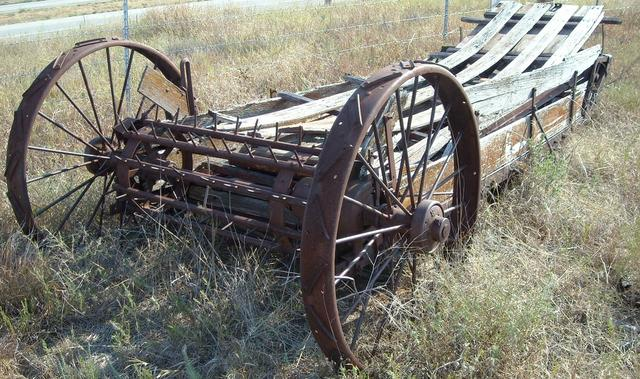 Horse Manure Spreader : Antique manure spreader yard art nex tech classifieds