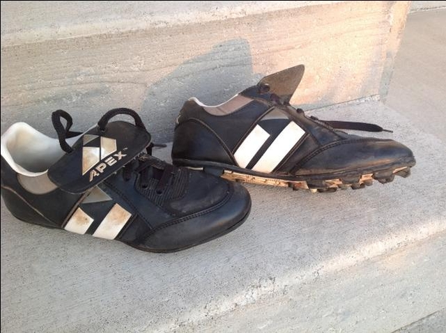 Football cleats -Size 6 12