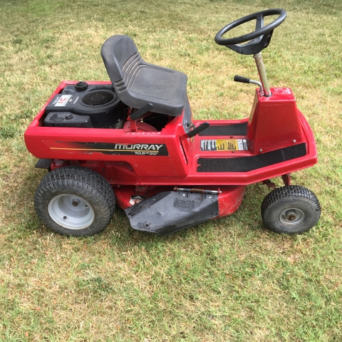 Murray 30quot Riding Lawn Mower 10.5 HP