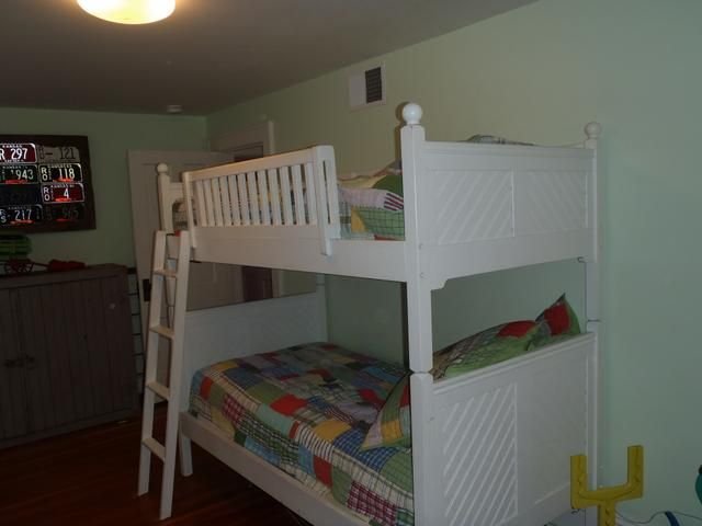 Twin Bunk Bed by Vermont Tubbs PTCI Classifieds