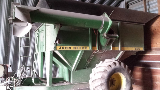 John Deere Grain Cart