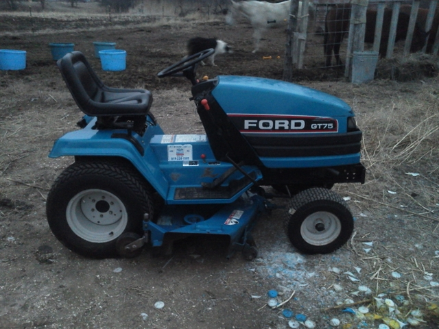 Gt75 ford diesel garden tractor rainbow classifieds for Ford garden tractor
