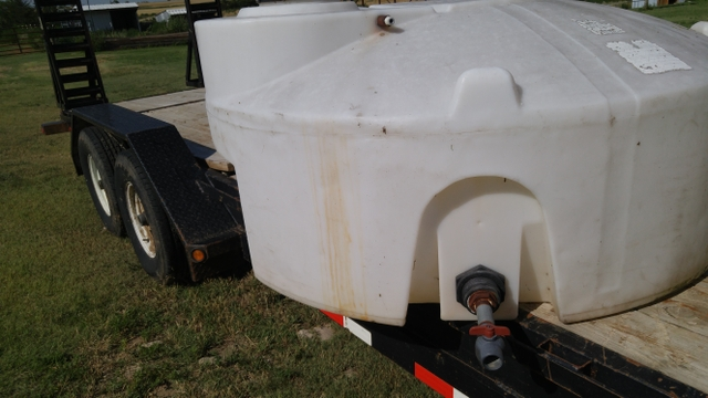 Snyder 300 gallon water tank