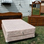 Broyhill 2 Piece Bedroom Set With Mattress & Box Springs