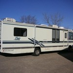 WINTER SPECIAL!  FLEETWOOD RV 1995 32'