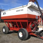 YEAR A ROUND HARVEST BOX GRAVITY WAGON. 550 BUSHEL