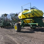 JD 730, W/1900 AIR SEEDER, W/ 44' F CULTI. W/JD 455 DRILL.