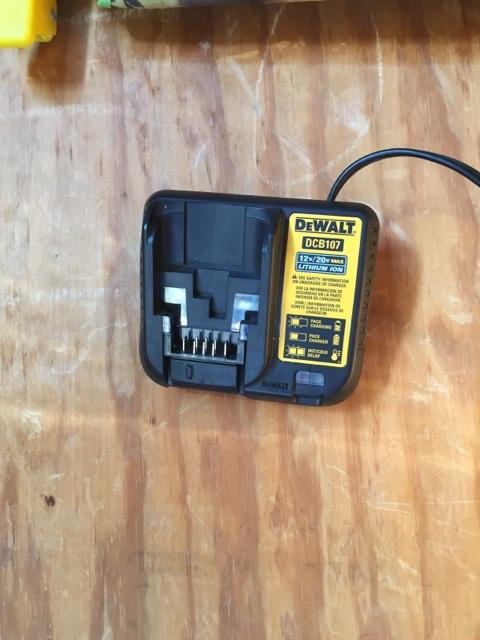 Dewalt 20v battery charger
