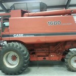 1986 Case 1680 Combine with 25 ft 1010 Header