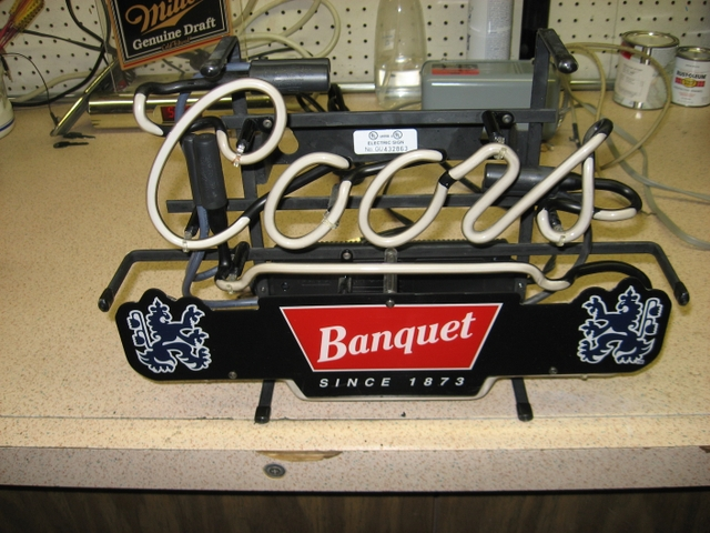 Collectible Coors Banquet Beer Neon Sign Nex Tech
