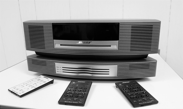 BOSE WAVE MUSIC HOME AUDIO SYSTEM WITH REMOTES