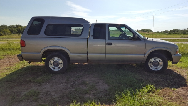 2001 gmc sonoma extended cab with topper 202 278 miles ptci classifieds. Black Bedroom Furniture Sets. Home Design Ideas