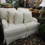 PLUSH WHITE LOVESEAT, 6 CUSHION