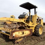 2006 Cat self propelled sheeps foot compactor