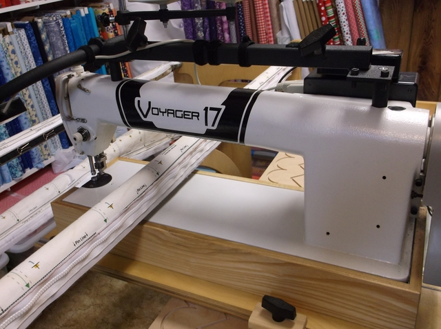 Hinterberg Voyager 17 quilting machine and stretch frame ...