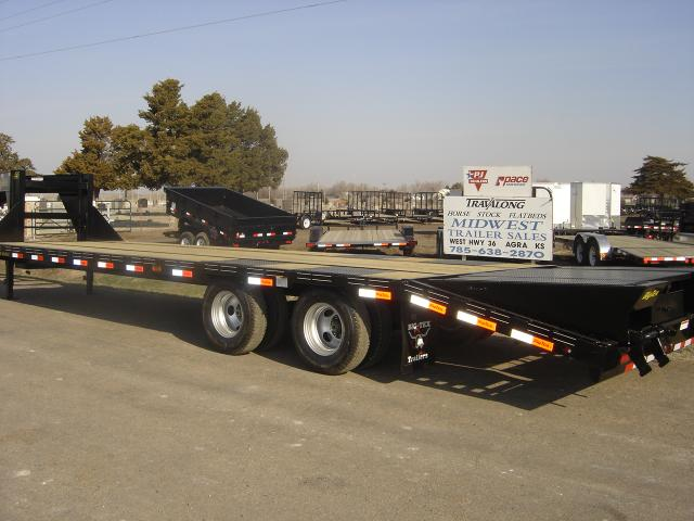 NEW 33 FT GN BIG TEX LOW PRO TRAILER