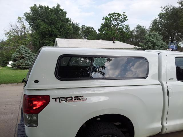 PRICE REDUCED 2007 - 2013 Toyota Tundra pickup topper