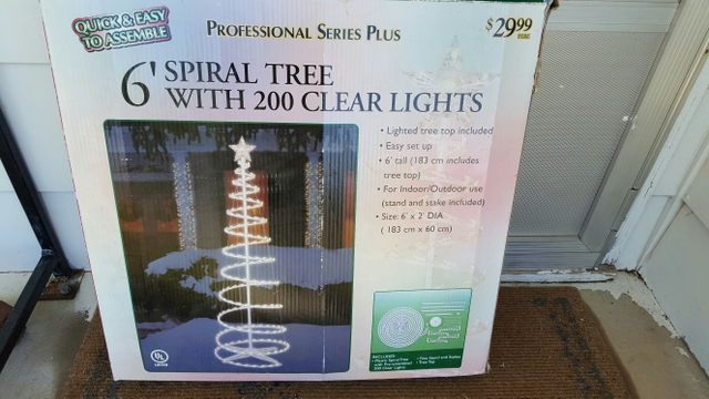 639 Spiral White Christmas Tree