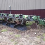 John Deere 2600 5 bottom plow