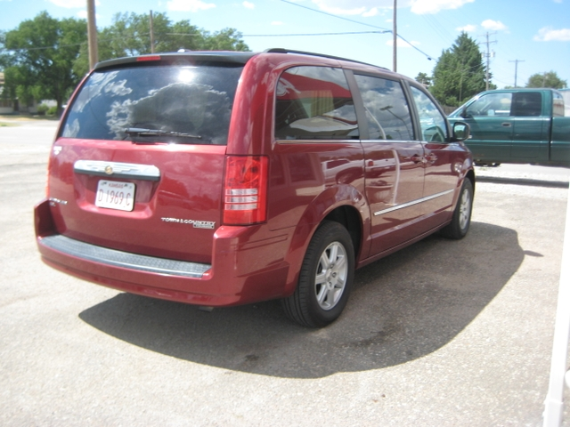 2010 chrysler town and country touring stow and go nex tech classifieds. Black Bedroom Furniture Sets. Home Design Ideas