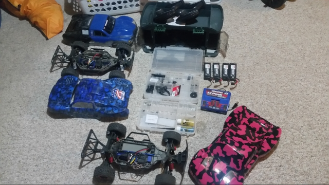 Two traxxas slash vxl 4x4