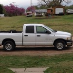 2004 dodge 1500 4 door pick up truck