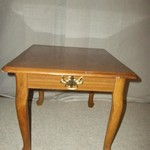 Laminate top oak end table