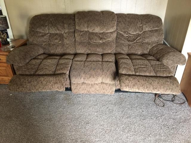 lay z boy couch and recliner nex tech classifieds. Black Bedroom Furniture Sets. Home Design Ideas