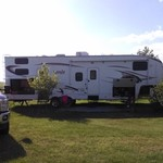 2010 Laredo 5th wheel Camper(32.5 feet)