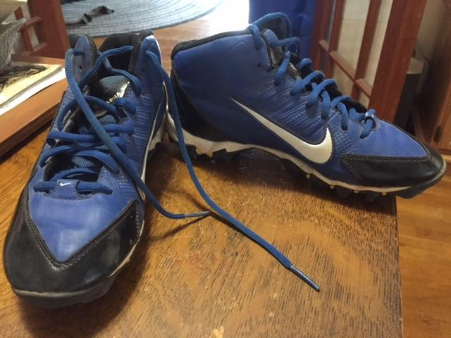 Nike sz. 6 Youth Football cleats