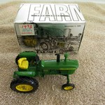 JOHN DEERE / 1983 TOY FARMER 1/43 MODEL 4010 TRACTOR