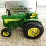 JOHN DEERE 1/43 630 LP 1988 NATL FARM TOY SHOW TRACTOR