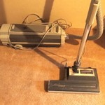 ELECTROLUX CANNISTER VACCUM WITH POWER NOZZLE CARPET CLEANER