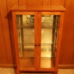 VERY NICE WOODEN CURIO CABINET WITH 2 GLASS SHELVES