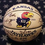 KU JAYHAWKS AUTHENTIC AUTOGRAPH BASKETBALL 2000-2001