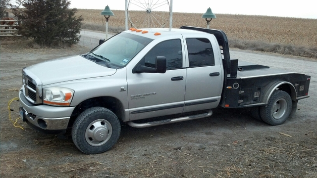 2006 Dodge 3500 BigHorn 4x4 6 Speed Manual CM Flatbed Ranch