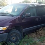 1999 dodge caravan for sell. good parts vehicle.