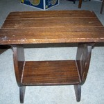 VINTAGE HAND CRAFTED WALNUT LAMP TABLE A/O STAND NEAT