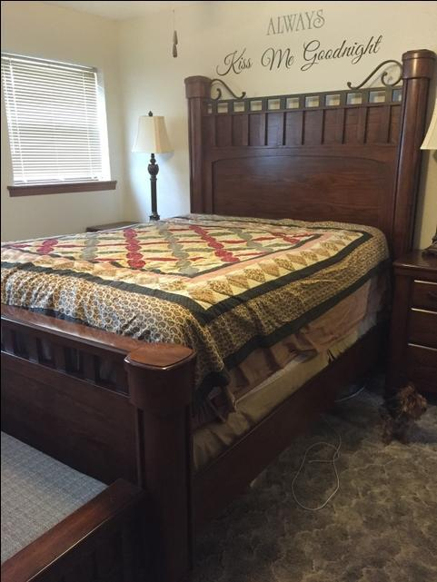 queen size bedroom suite ptci classifieds. Black Bedroom Furniture Sets. Home Design Ideas