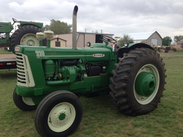 Oliver 990 Tractor : Oliver gm diesel supercharged engine ptci
