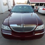 2003 Lincoln Town Car Executive low miles!