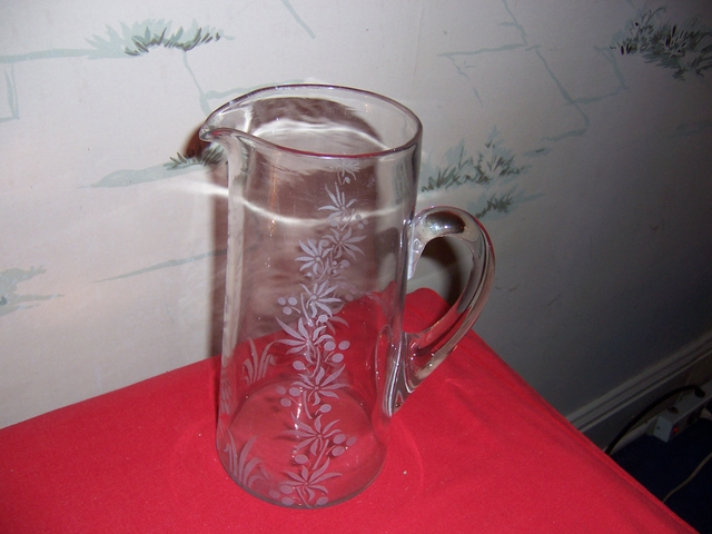 Beautiful Vintage Etched Glass Pitcher 10quot
